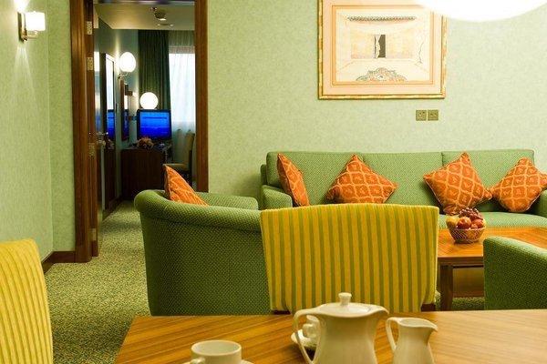 City Seasons Al Hamra Hotel - фото 9