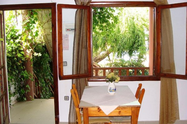 Maria's Apartments - фото 12