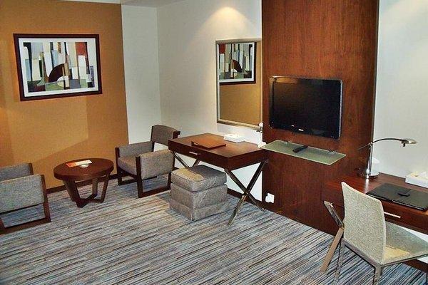 Phoenix Plaza Hotel Apartments - фото 4