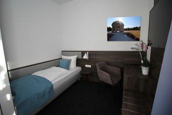 Garagen Hotel - 4