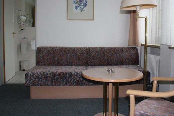 Garagen Hotel - 8