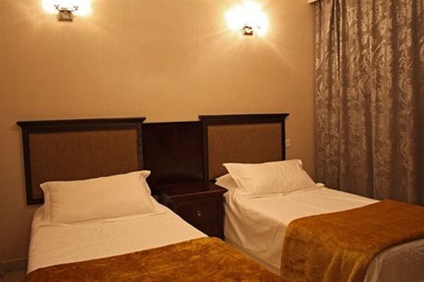 Liwa Hotel Apartments - фото 4