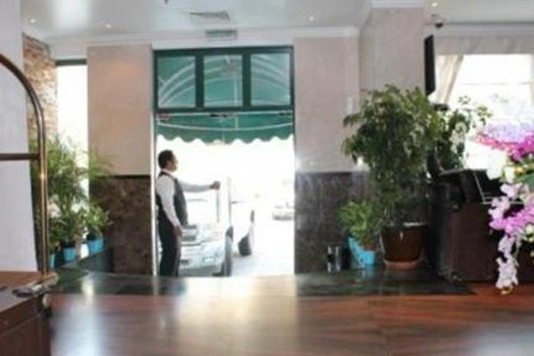 Liwa Hotel Apartments - фото 6