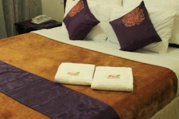 Liwa Hotel Apartments - фото 7