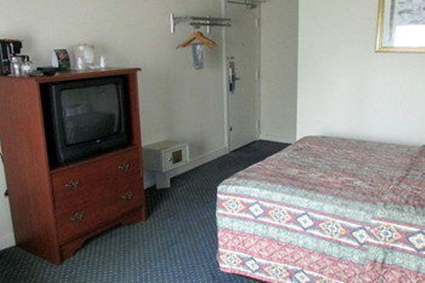 Drawbridge Inn & Suites Sarnia - фото 4