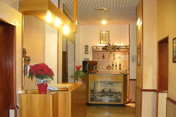 Hotel Fiorana - 11