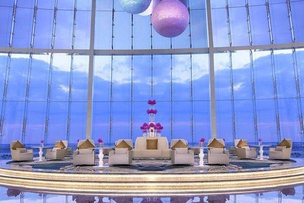 Jumeirah at Etihad Towers Hotel - фото 11