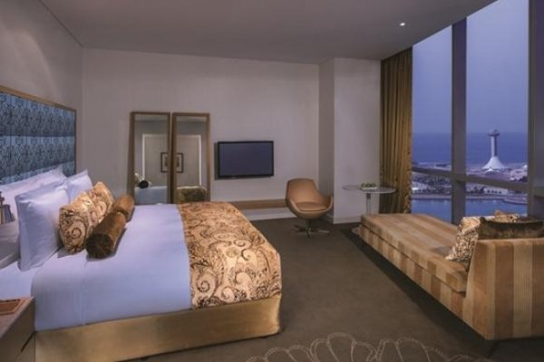 Jumeirah at Etihad Towers Hotel - фото 6