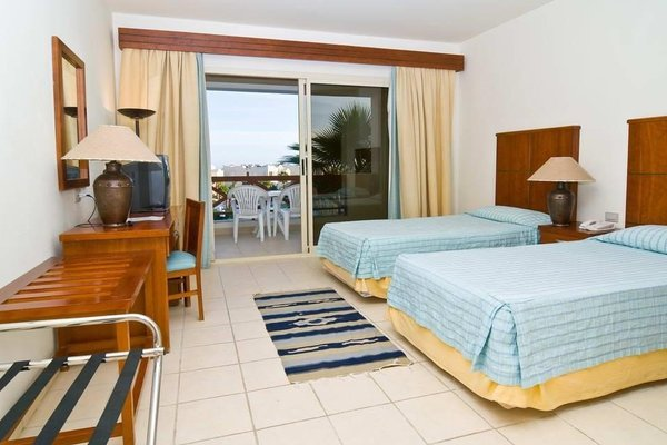 Shores Golden Hotel - 7