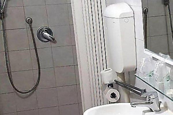 Hotel Sara - 13