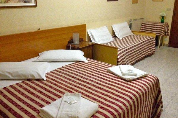 Hotel Sara - 4