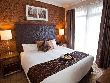 Гестхаус Sutton Place Hotel Revelstoke Mountain Resort