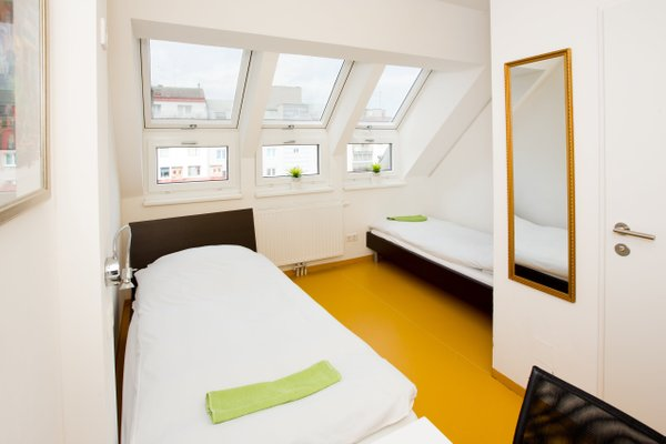 a&t Holiday Hostel - 4