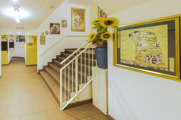 a&t Holiday Hostel - 9