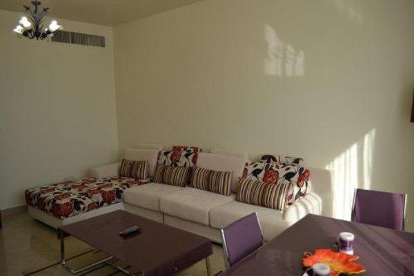 Abu Dhabi Plaza Hotel Apartments - фото 3