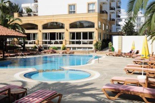 Pia Bella Hotel - 14