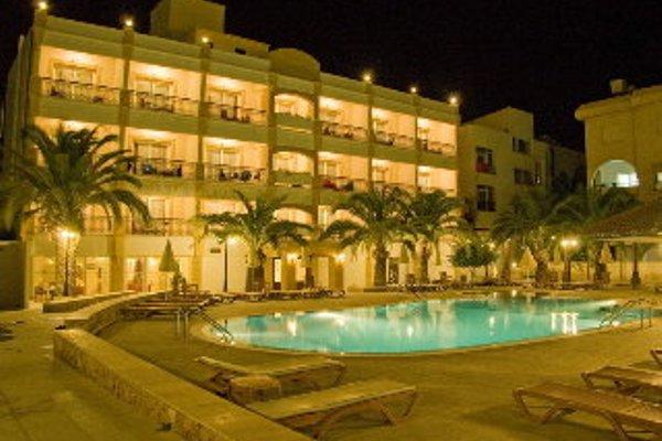 Pia Bella Hotel - 17