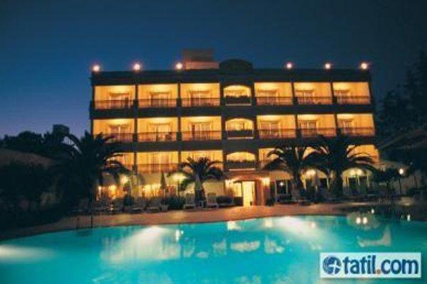 Pia Bella Hotel - 19