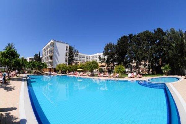 Pia Bella Hotel - 20