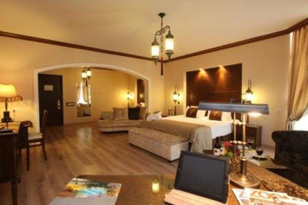 Pia Bella Hotel - 3