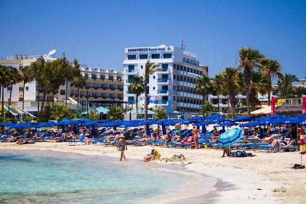 Anonymous Beach Hotel - фото 23