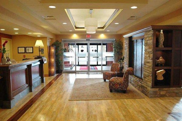 Hampton Inn & Suites by Hilton Moncton - 11