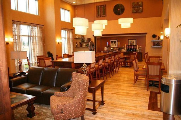 Hampton Inn & Suites by Hilton Moncton - 13