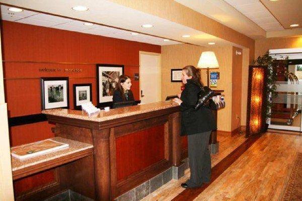 Hampton Inn & Suites by Hilton Moncton - 16