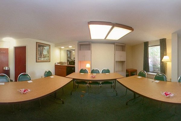 Hampton Inn & Suites by Hilton Moncton - 19