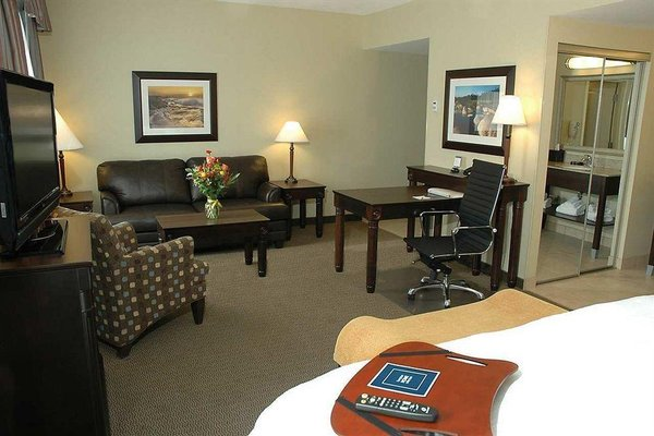 Hampton Inn & Suites by Hilton Moncton - 5