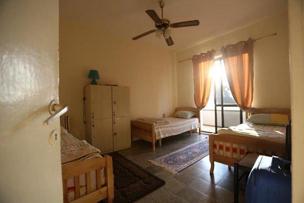 Cosy Hostel Tirana - фото 3