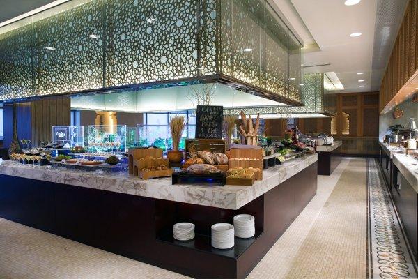Bab Al Qasr Hotel - 13