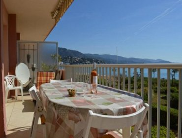 Апартаменты Rental Apartment LAVANDOU PLAGE - Le Lavandou, 2 bedrooms, 4 persons