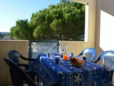Апартаменты Rental Apartment DOMAINE D'AZUR - Le Lavandou, studio flat, 4 persons