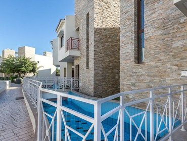 Апартаменты Welcoming 3 Bedroom House in Germasogeia with Aircon,  Parking, and  Pool