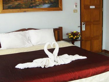 Accessible 1 Bedroom Hotel in Koh Chang with Aircon and Pool - Classic Beachfront Double