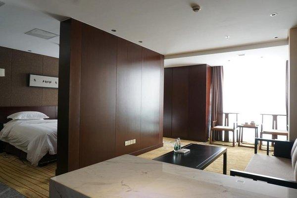 Robin Hotel - 4