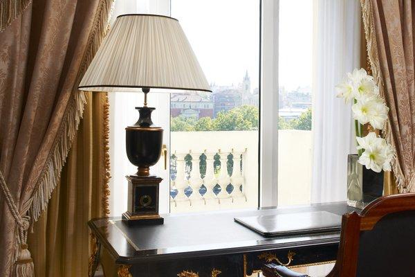 Westin Palace Hotel - 8