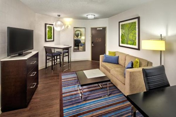 The Hollis Halifax - a DoubleTree Suites by Hilton - 6