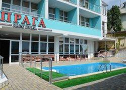 Фото 1 отеля Парк-отель «Прага» - Алушта, Крым