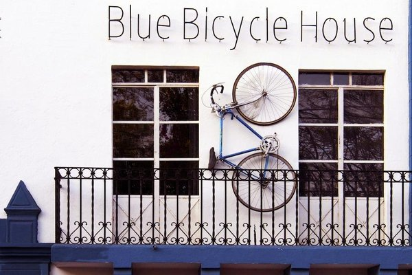 Blue Bicycle House - 20