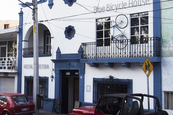 Blue Bicycle House - 21