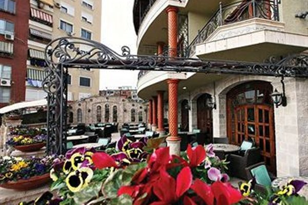 Dinasty Hotel - 23