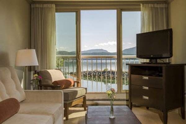 Oceanfront Suites at Cowichan Bay - фото 4