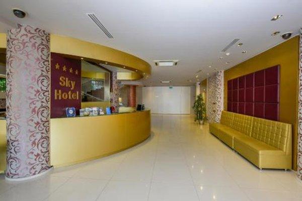 Sky Hotel - 15