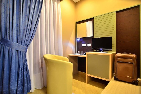 Capital Tirana Hotel - 15