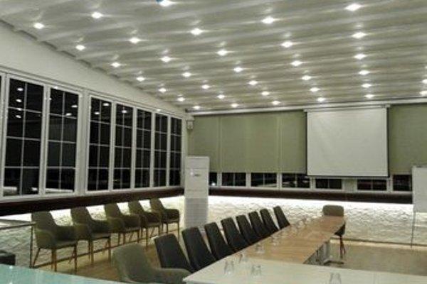 Capital Tirana Hotel - 17