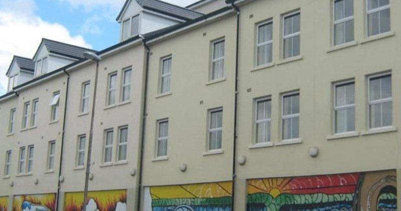 Book Summerhill Apartments