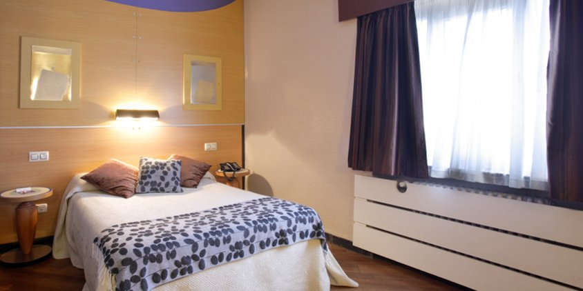 Hotel Hotel Quindos Leon Leon Booking And Prices Hotellook