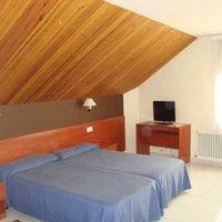 Отель Hotel Guineu